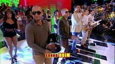 Sucesso! Sorriso Maroto canta '1 metro e 65' - Plateia faz coro para hit do grupo