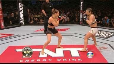 Bethe Pitbull é nocauteada por Ronda Rousey - Paraibana só resiste 34 segundos, tempo suficiente para a americana assegurar a manutenção do seu cinturão.