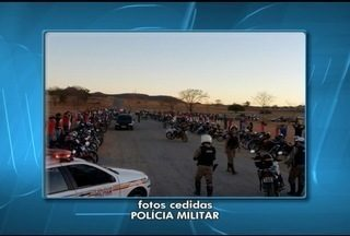 """PM apreende 69 veículos durante operação em Montes Claros - Grupo de pessoas combinava encontro chamado """"Treininho"""" pela internet."""