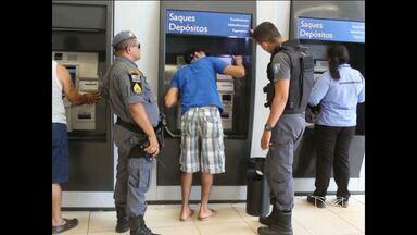 'Chupa-cabra' é encontrado em caixa eletrônico em agência bancária de Açailândia - O equipamento usado para copiar informações de clientes, foi descoberto por um funcionário do banco.