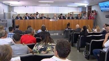 Secretário de estado de Saúde apresenta relatório de ações do governo de Minas - Ações são para tentar resolver os problemas da saúde nos municípios.