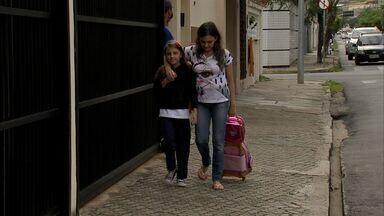 Dia foi de volta às aulas para milhares de alunos em Fortaleza - Trânsito ficou denso com a volta às aulas.
