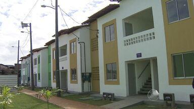 Moradores de Alagados recebem novas casas para substituir imóveis incendiados em janeiro - Veja mais informações no Giro de Notícias.