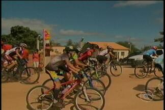 Aconteceu nesse domingo em Ouricuri mais uma edição do Pedal na Caatinga - A prova reuniu 160 apaixonados por bicicletas, diversão e adrenalina