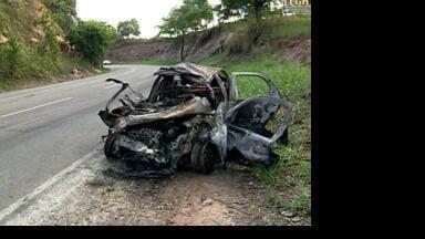 Jovem sofre acidente a caminho de festa e morre em Pancas, ES - Um menino também morreu atropelado enquanto ia para barraca de doces da mãe no ES.