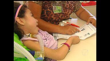Em Santarém, crianças internadas têm aulas no HRBA - Volta às aulas na rede municipal e estadual de ensino foi nesta segunda-feira (3).