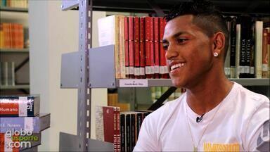 Pedro Rocha fala sobre a vida de estudante e jogador de futebol - Assista ao vídeo.