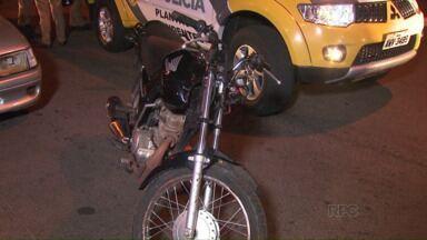 Homem bate moto furtada e tenta fugir de abordagem - Acidente foi na Avenida República Argentina em Foz