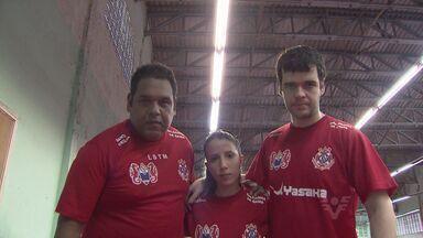 Três mesatenistas de Santos representarão o Brasil nos Jogos Parapanamericanos - Israel Stroh, Lucas Maciel e Jennyfer Parinos já estão em Toronto, no Canadá.