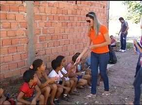 Voluntários fazem trabalho com música e evangelização para crianças carentes de Araguaína - Voluntários fazem trabalho com música e evangelização para crianças carentes de Araguaína