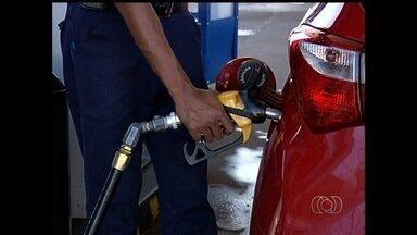 Procon notifica postos de combustíveis por alta de preços, na Grande Goiânia - Teve estabelecimento que baixou, mas em seguida voltou a vender mais caro.