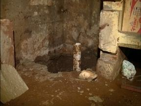 Túnel é descoberto no Presídio Regional de Passo Fundo, RS - Buraco tinha mais de quatro metros