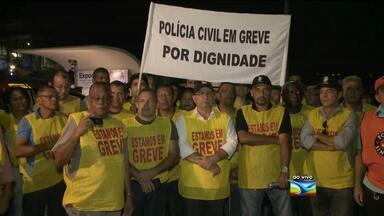 Policiais civis se reúnem na Praça Maria Aragão - Policiais civis se reúnem na Praça Maria Aragão