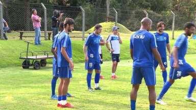 Promoção tenta atrair torcedores para jogo do Londrina - Pais que forem acompanhados dos filhos pagam meia entrada.