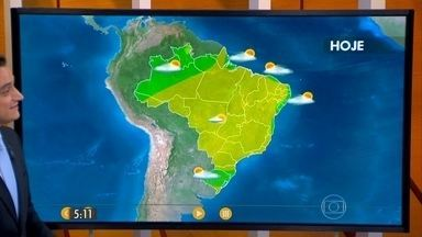 Confira como fica o tempo nesta quarta-feira (05) em todo o Brasil - A máxima atinge os 26 graus em Curitiba e em São Paulo. Os termômetros chegam aos 31 graus em Fortaleza e no Rio de Janeiro e a 36 em Cuiabá.