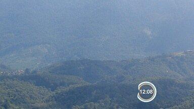 Turistas são localizados após mais de 24h perdidos na Serra da Mantiqueira - Dupla percorria do Morro do Pinga, que liga Pinda a Campos do Jordão.
