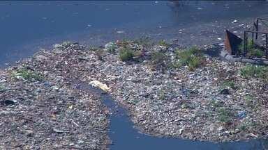 Baía de Guanabara só deve ser totalmente despoluída em 20 anos - A promessa de tratamento de 80% do esgoto que chegam à baia de Guanabara não será atingida.