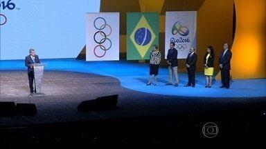 No Rio de Janeiro, cerimônia marca um ano para os Jogos Olímpicos de 2016 - Evento teve a presença da Presidente Dilma e o presidente do Comitê Olímpico Internacional.