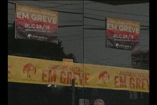 Servidores do Cartório Eleitoral de Cruz Alta, RS, continuam em greve - Alguns serviços não estão sendo realizados desde o dia 17 de junho.