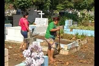 Cerca de 60 mil visitam cemitérios de Belém no Dia dos Pais - Filhos procuraram necrópoles para homenagear pais já falecidos.