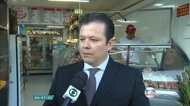 Carne de frango está 16% mais cara em Belo Horizonte, aponta pesquisa - Entrevista ao vivo com o coordenador do levantamento, Feliciano Abreu.
