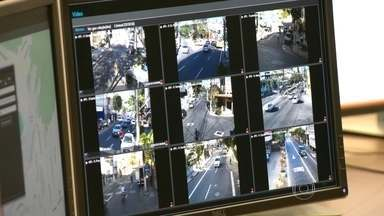 Niterói recebe reforço na segurança - A Segurança Pública de Niterói, região Metropolitana do Rio de Janeiro, recebeu um reforço de pelo menos 200 câmeras de segurança. Tudo será monitorado de uma central.