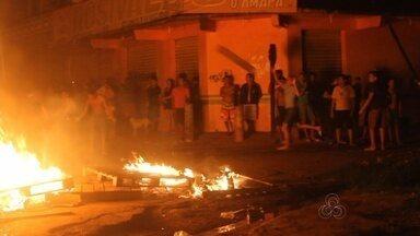 Desligamentos de energia geram prejuízos em comércio de distrito de Macapá - Os moradores do Distrito do Igarapé da Fortaleza já fizeram dois protestos por causa dos desligamentos de energia, o último deles na semana passada. O comércio amarga prejuízos, e os moradores dizem que vão fazer manifestações de novo se a CEA não acabar com os apagões.