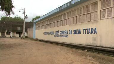 Servidores da Educação de Alagoas decidem manter greve em assembleia - Categoria está em greve há 25 dias em todo o Estado de Alagoas. Juiz decretou ilegalidade da greve; Sinteal recorreu da decisão.