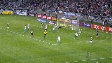 Grêmio vence Atlético-MG e se consolida no G4 - Tricolor venceu Galo por 2 a 0 e permanece na terceira colocação.