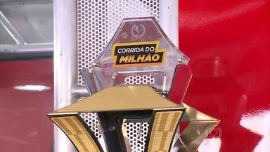 Pilotos disputam em Goiânia mais uma edição da Corrida do Milhão da Stock Car - Em 2008, Valdeno Brito foi o primeiro piloto a vencer a Corrida do Milhão. Depois, veio Ricardo Zonta, que é seu atual companheiro de equipe. Ricardo Maurício, Rubens Barrichello e Thiago Camilo também já chegaram em primeiro lugar na prova.