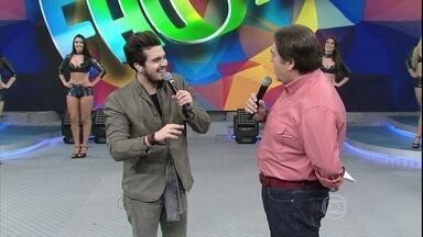Luan Santana comenta sobre composições em papo com Faustão - Cantor fala sobre a música 'Escreve Aí'