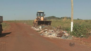 Prefeitura de Rincão multa pessoas que jogam lixo nas ruas e terrenos da cidade - Prefeitura de Rincão multa pessoas que jogam lixo nas ruas e terrenos da cidade