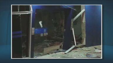 Tiros e explosões em Elias Fausto durante ataque a caixa eletrônico - A agência da Caixa Econômica ficou bem destruída.