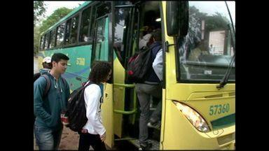 Alunos reclamam de falta de transporte em Muniz Freire, no Sul do ES - Problema afeta 500 alunos de Fazenda Velha, Pedra Lisa, Boa Esperança e Piaçú