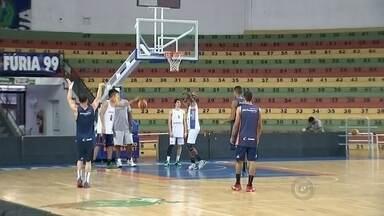 Bauru basquete enfrenta o Osasco nesta quarta-feira - O Bauru Basquete volta à quadra hoje à noite pelo Campeonato Paulista. O adversário é o Osasco. O jogo é às 20h no ginásio Panela de Pressão.