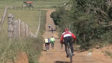 """Conheça um grupo de Vitória da Conquista que aposta nas bicicletas para manter a saúde - Veja no quadro """"A Hora é Agora""""."""