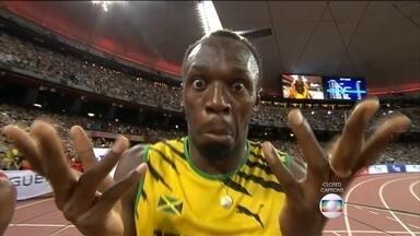 Usain Bolt vence os 100 metros rasos no Mundial de Atletismo na China - Homem mais rápido do mundo venceu outra vez. O jamaicano Usan Bolt ficou com o ouro nos cem metros rasos no mundial de atletismo, e provou que um raio pode cair duas vezes no mesmo lugar.