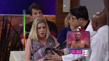 Trollada: Hora de falar com o bebê de Isa! - Elenco tem 90 segundos para conversar com o neném durante ultrassom