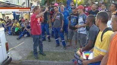 Greve de funcionários da coleta de lixo de São José entra no quinto dia - Cerca de 300 trabalhadores estão em greve.