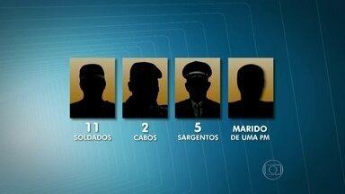 Corregedoria lista 19 suspeitos de participação em chacina na Grande São Paulo - A Corregedoria da Polícia Militar investiga 19 suspeitos de envolvimento nos assassinatos ocorridos em Osasco e Barueri em 13 de agosto. Dezoito dos investigados são policiais militares.