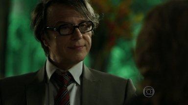 Maurice afirma que Fanny fará seu desfile no Brasil - A ricaça fica em êxtase com o anúncio do estilista
