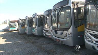 Rodoviários se negam a rodar e população permanece sem ônibus em Feira de Santana - O problema acontece desde o dia 16; confira os detalhes.