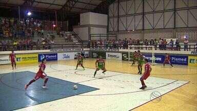 Canindé aplica chocolate em Carira - No último jogo da primeira fase, time do sertão vence por 7 a 0.