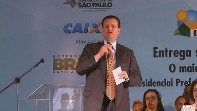 Ministros fazem a entrega de 1,2 mil casas em Araras e Araraquara, SP - Ministros fazem a entrega de 1,2 mil casas em Araras e Araraquara, SP