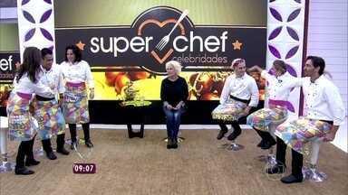 'Super Chef': Ana Maria recebe participantes na Casa de Cristal - Apresentadora explica regras da prova da Panela de Pressão