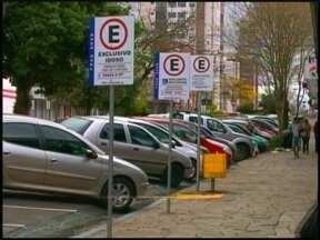 Estacionamento rotativo volta a funcionar em Erechim, RS - Confira no Jornal do Almoço como o sistema vai funcionar.
