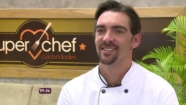 Reveja alguns dos melhores momentos do Super Chef Celebridades 2015 - Ana Maria mostra Bianca Rinaldi, Fiuk e Giba preparando os pratos da grande final