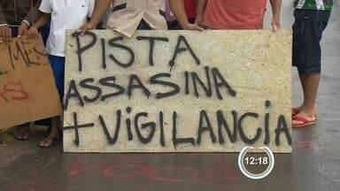 Moradores do Maracaibo protestaram na Floriano Rodrigues Pinheiro - Protesto nesta segunda-feira (7) em Tremembé pede mais segurança na estrada.