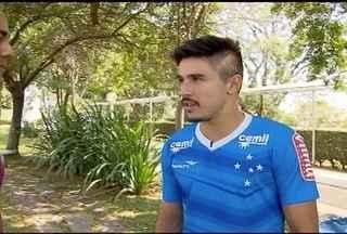 Willian comemora os quatro gols diante do Figueirense e fala da nova fase do Cruzeiro - Time celeste volta a jogar na quinta-feira diante do Flamengo no Maracanã.