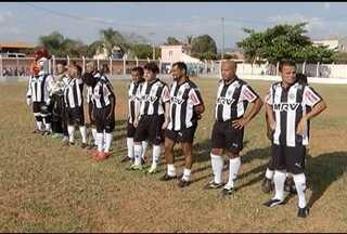 Eternos ídolos do Atlético-MG mostram em Francisco Sá que ainda jogam muita bola - Time máster que tem estrelas como Eder, Luisinhoe Paulo Isidoro fizeram jogo beneficente no Norte de Minas.